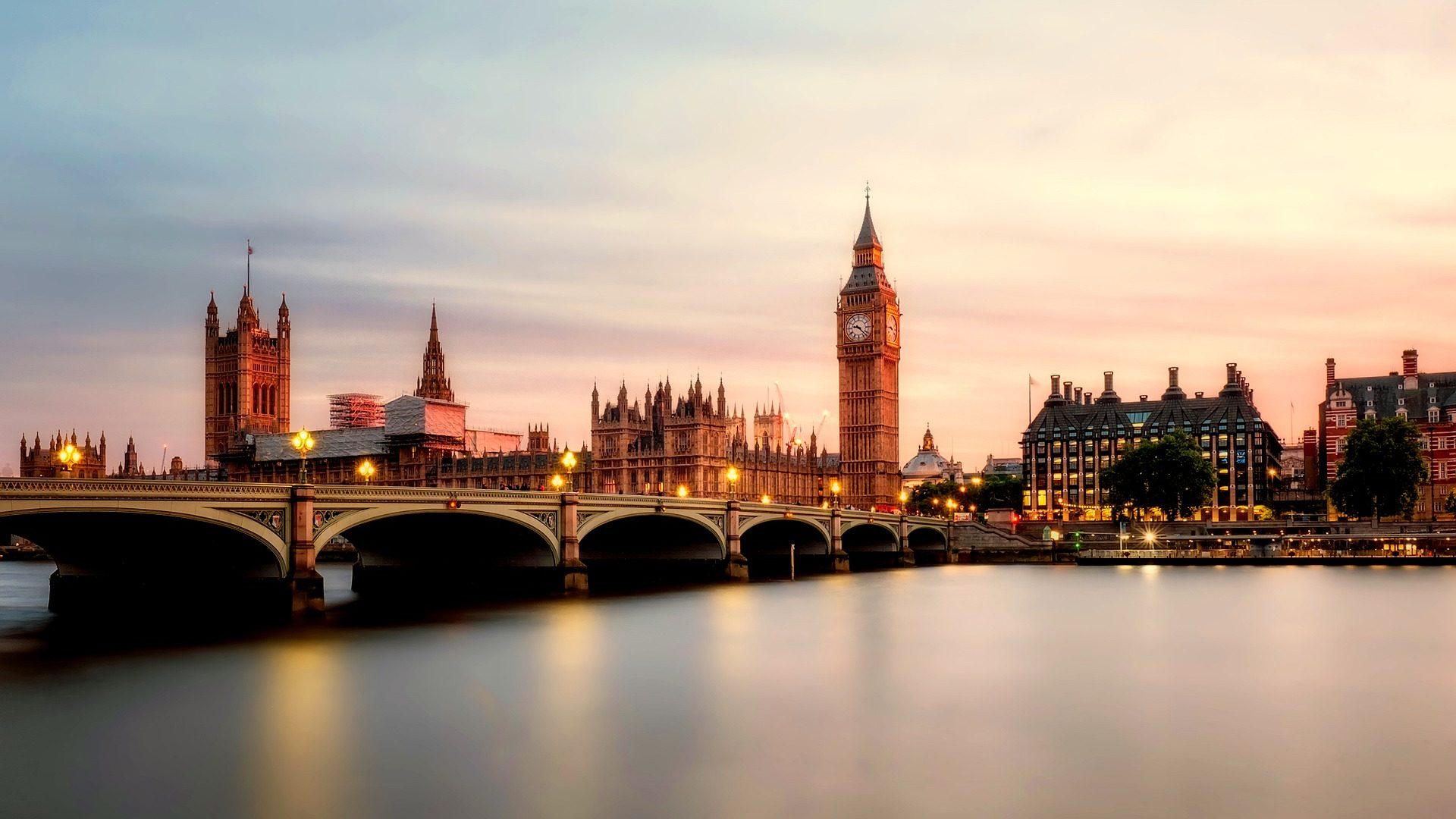 Londona-tilts
